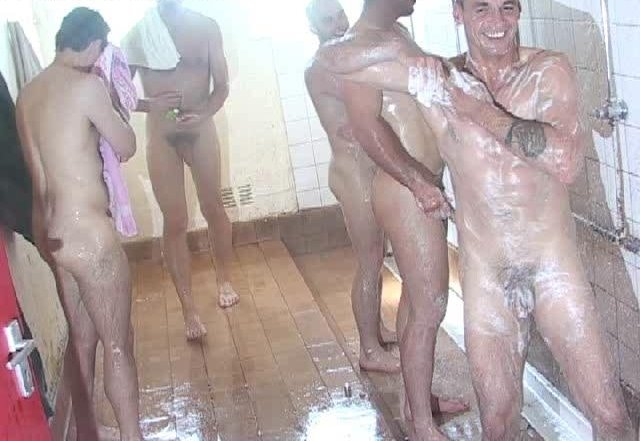 boyspycam-group-shower